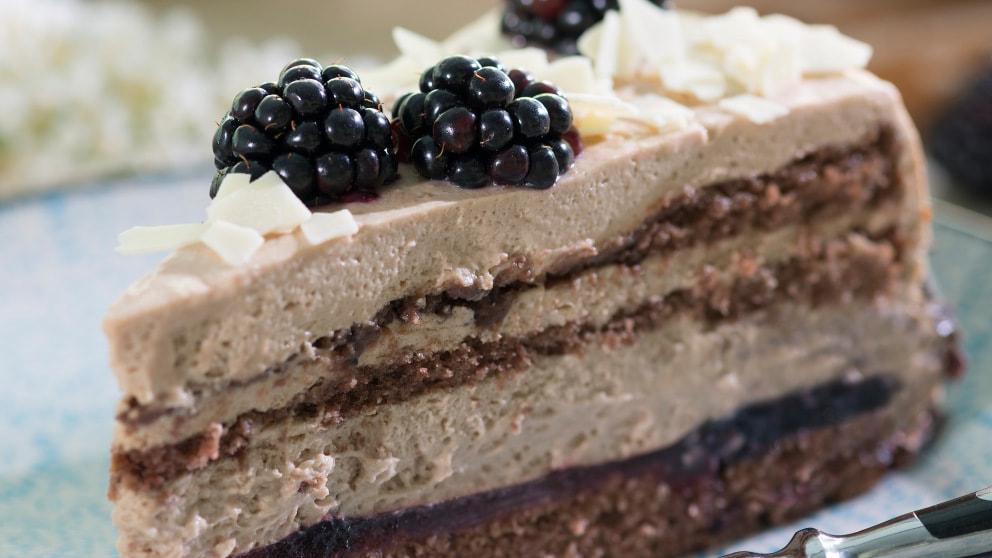 Brombeer-Nougat-Torte